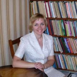 dolphin therapy specialist Svetlana Anatoliyevna Polishchuk, photo